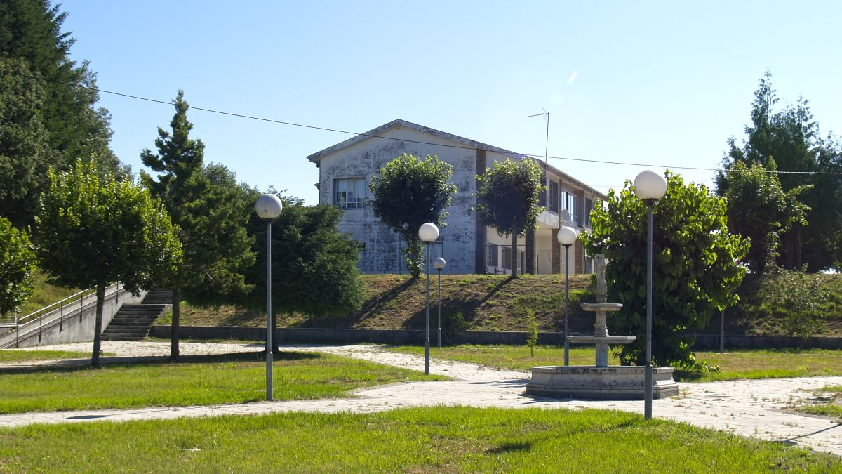 Vista lateral del albergue